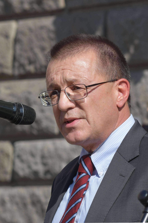 """Бойко Ноев: Да си признаем, че имаме """"куха армия"""""""