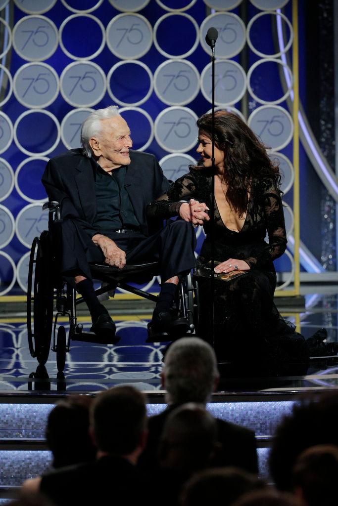 101-годишният Кърк Дъглас впечатли публиката