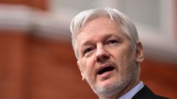 САЩ ще повдигнат обвинение срещу Джулиан Асанж