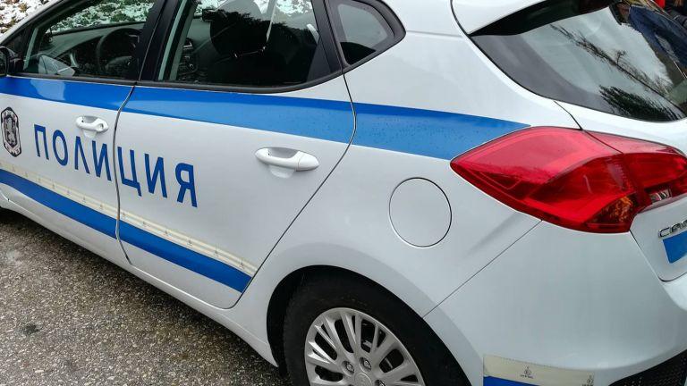 Загиналият полицай се ударил с мотора си в БМВ, шофьорката избягала