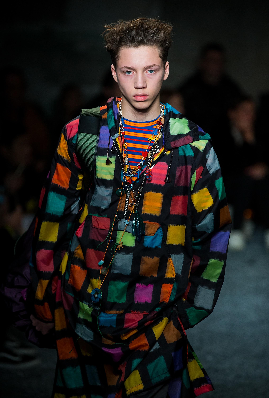 Много цвят в мъжката седмица на модата в Милано