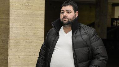 9 г. затвор за стрелеца срещу сина на Киро Японеца