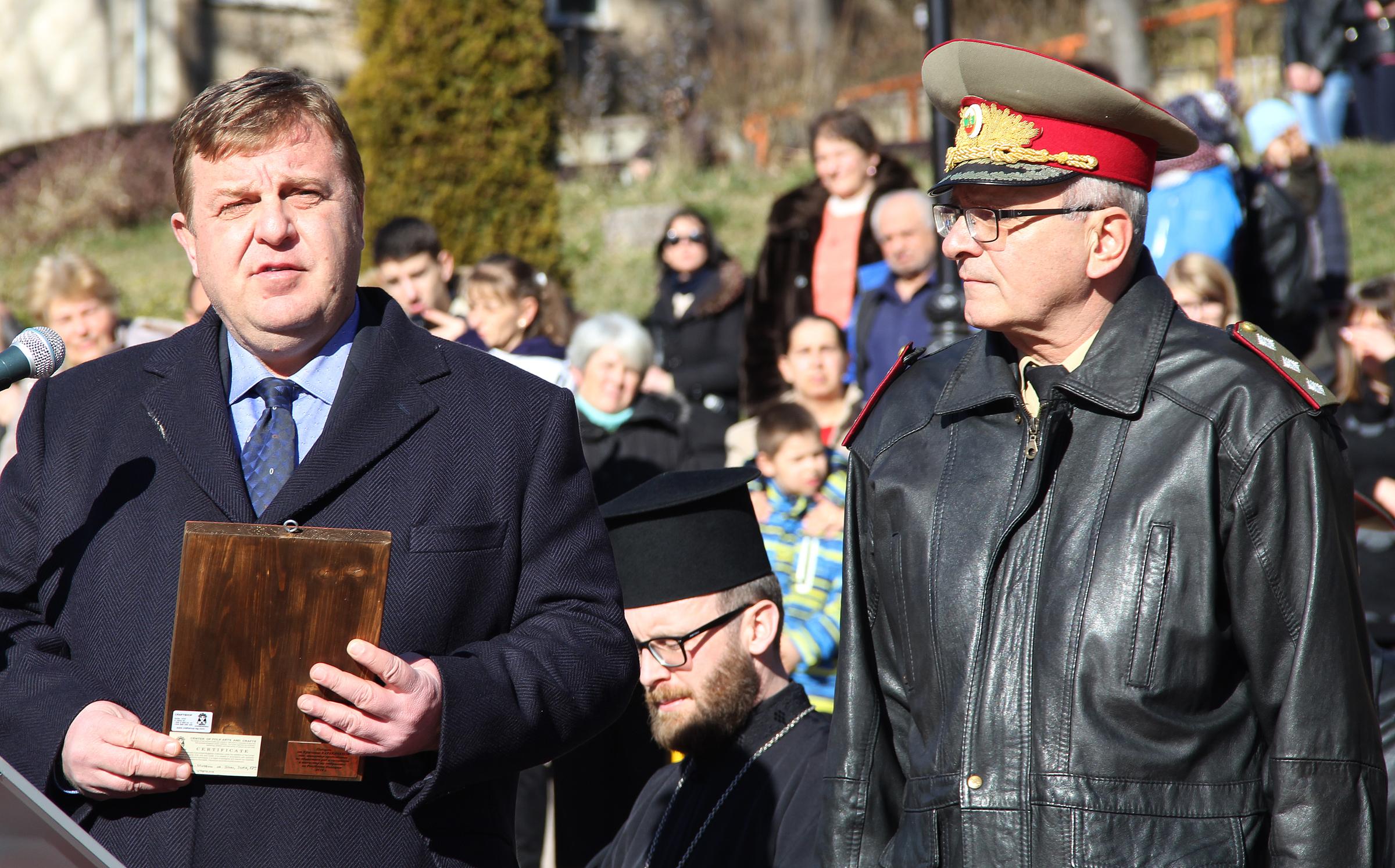 Каракачанов очаква подкрепа от НС и премиера за казармата