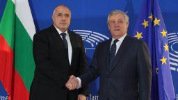 """Таяни отложи гласуването по """"Мобилност"""" за 1 април, Борисов доволен"""