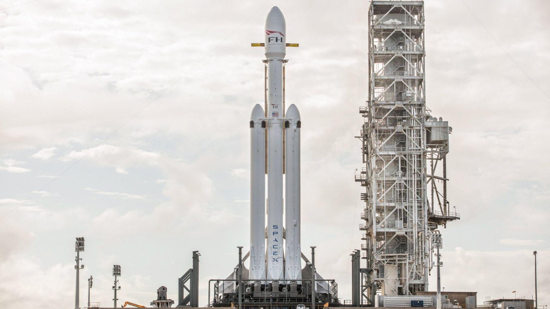 SpaceX отложи изстрелването на новия телескоп