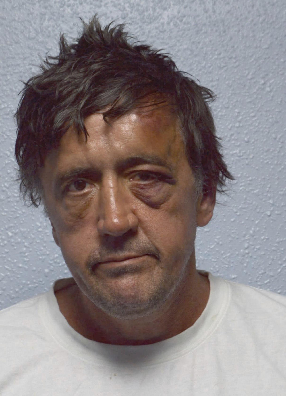 43 г. затвор за мъжа, врязал се с бус в джамия в Лондон