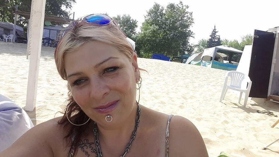 Милена се консултира с адвокат за шеф Петров