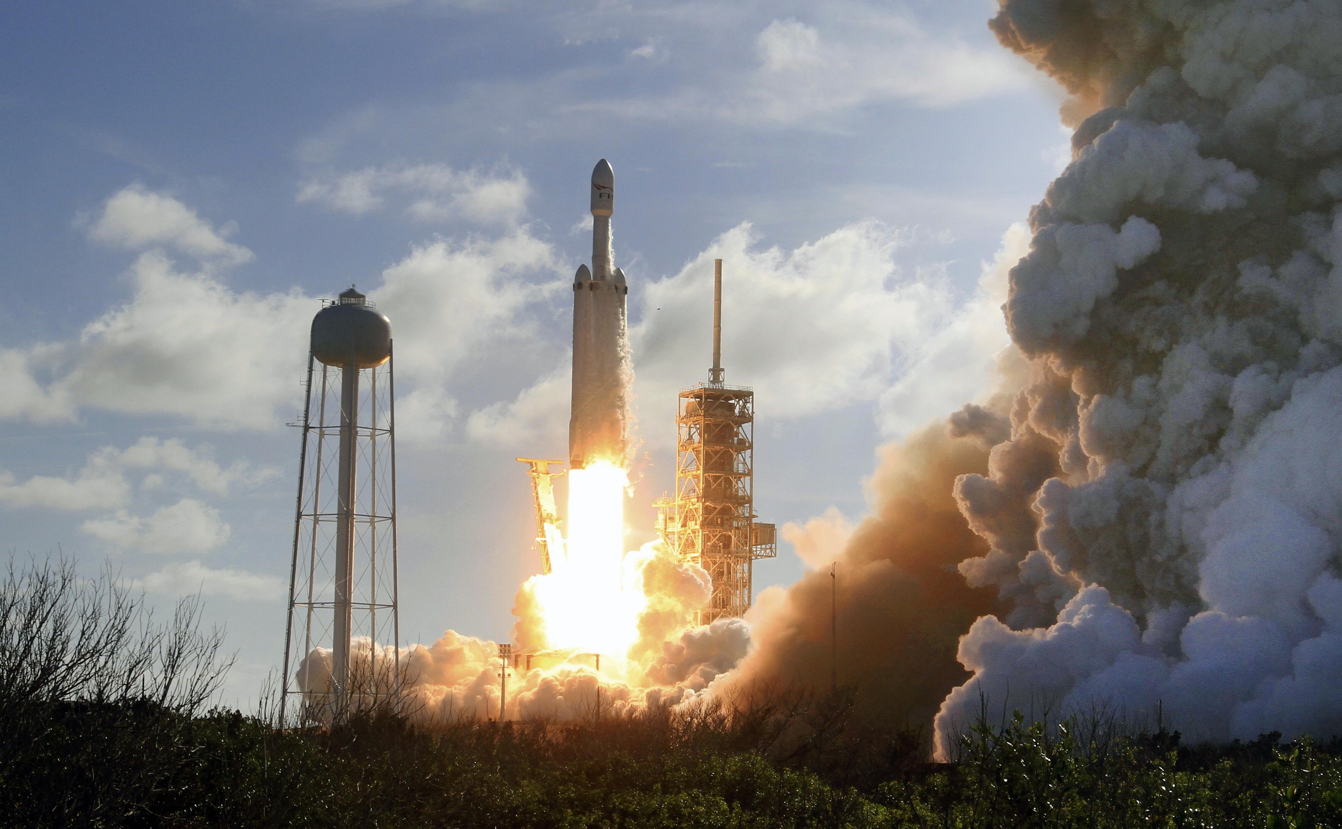 Каква ще бъде следващата мисия на Falcon Heavy