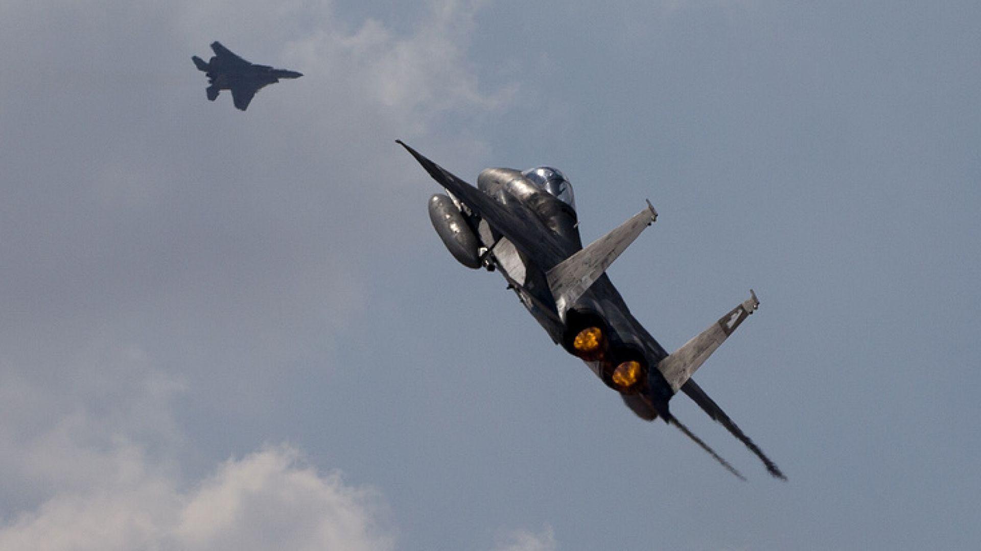 """Израел намекна за удар по """"въздушните сили"""" на Иран в Сирия"""