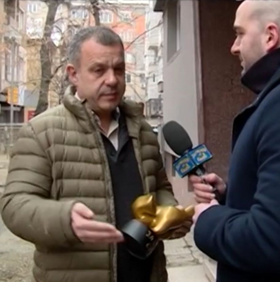 """""""Златен скункс"""" за Кошлуков заради средния пръст"""