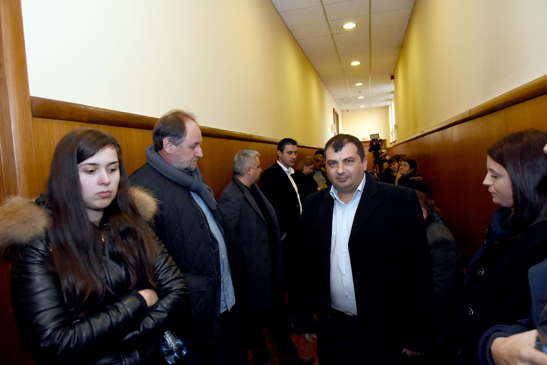 Зам.-кметът и счетоводителят на община Септември с обвинения