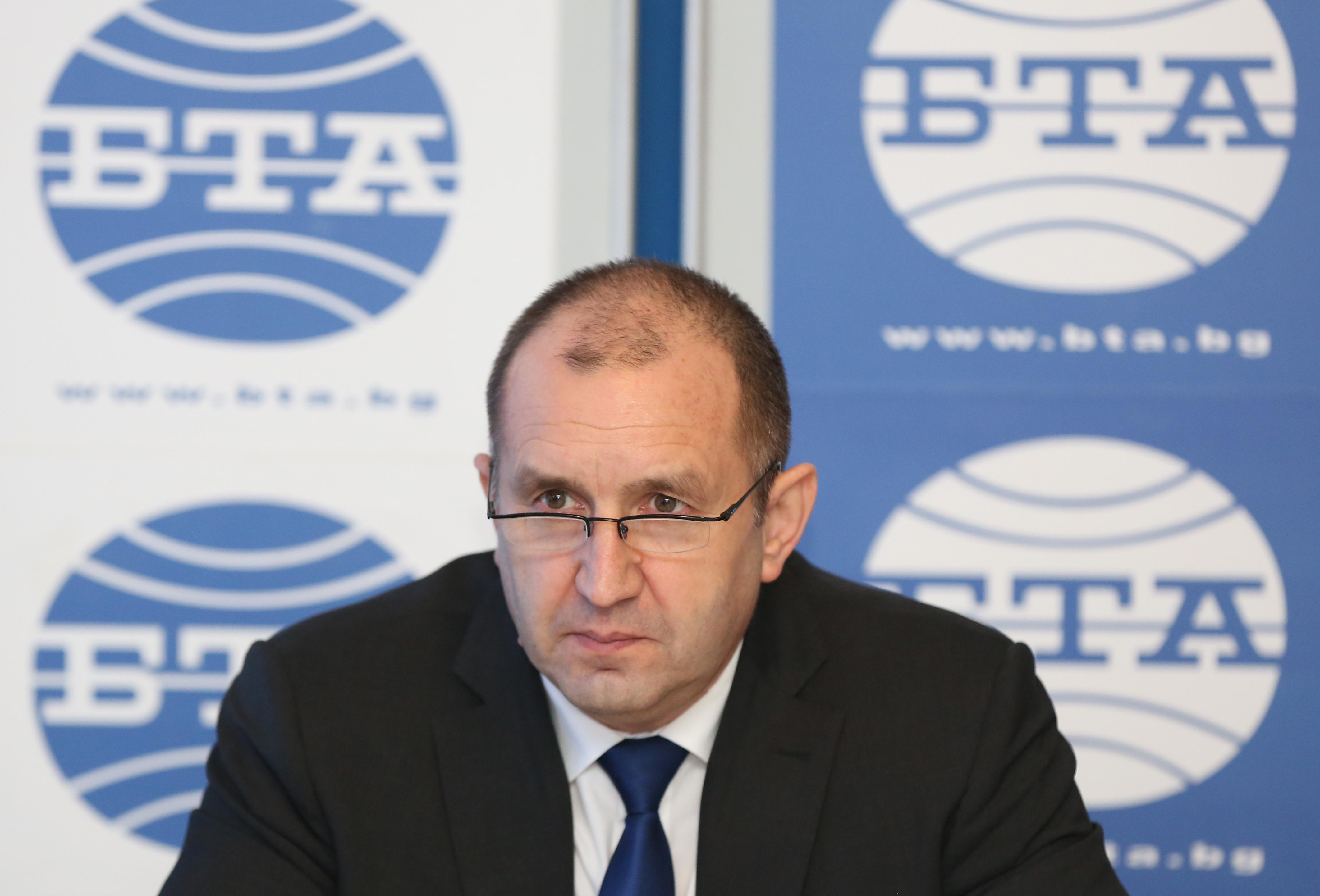 Румен Радев сезира КС за Закона за радио и телевизия