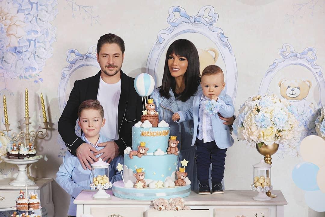 Галена и Галин отпразнуваха 1 годинка на сина си