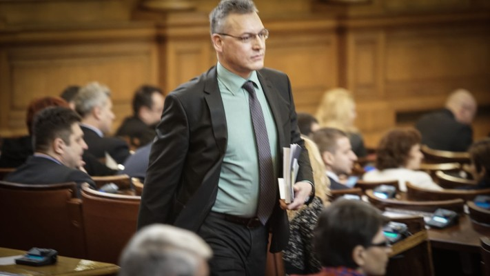 Със 110 гласа Жаблянов беше свален от зам.-шефския пост в НС