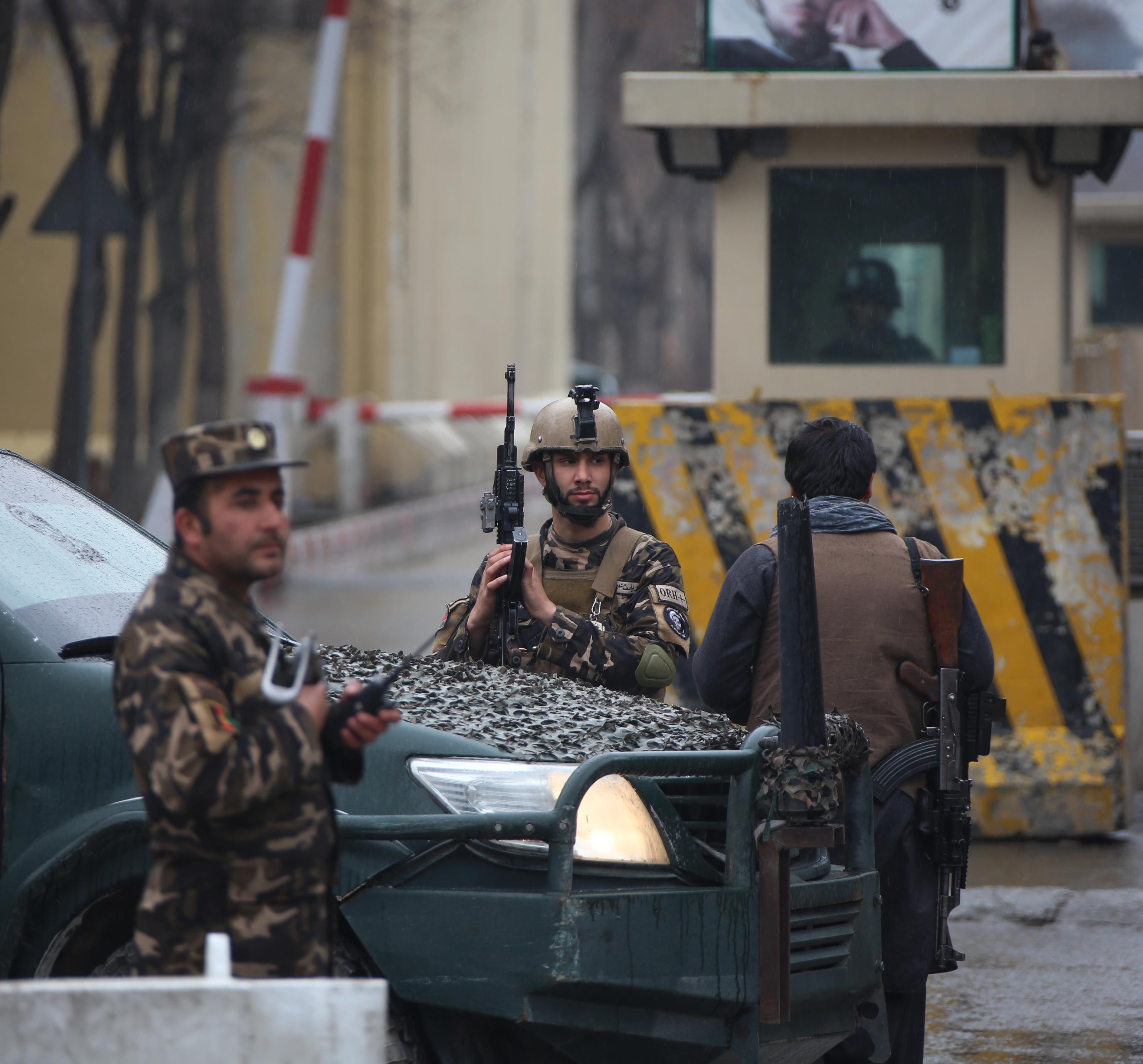 Самоубийствен атентат в Кабул, ИДИЛ пое отговорност