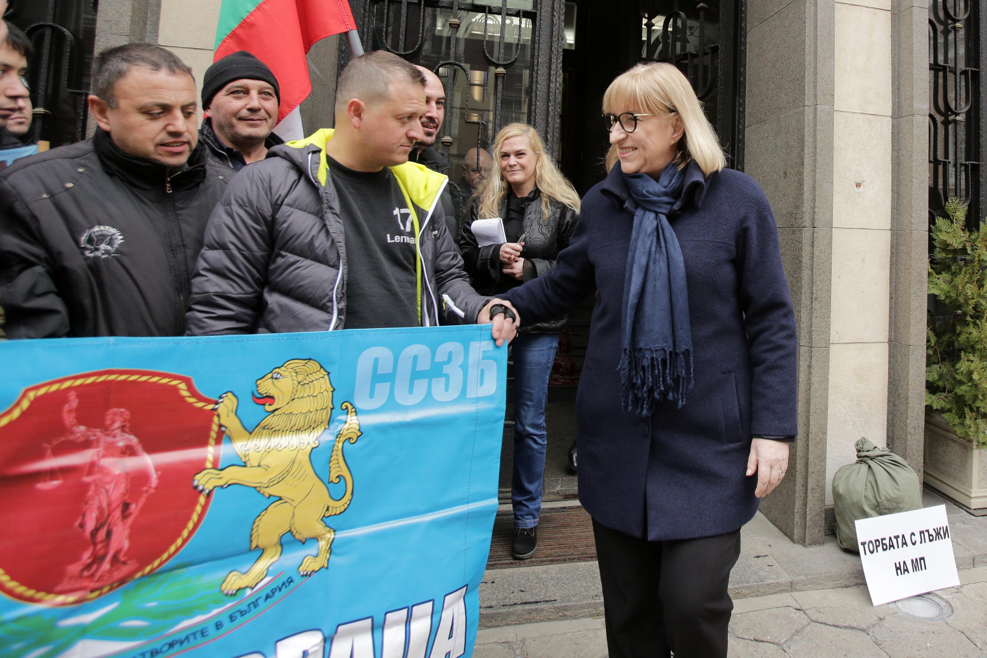 Цачева свиква национално съвещение с шефовете на затворите