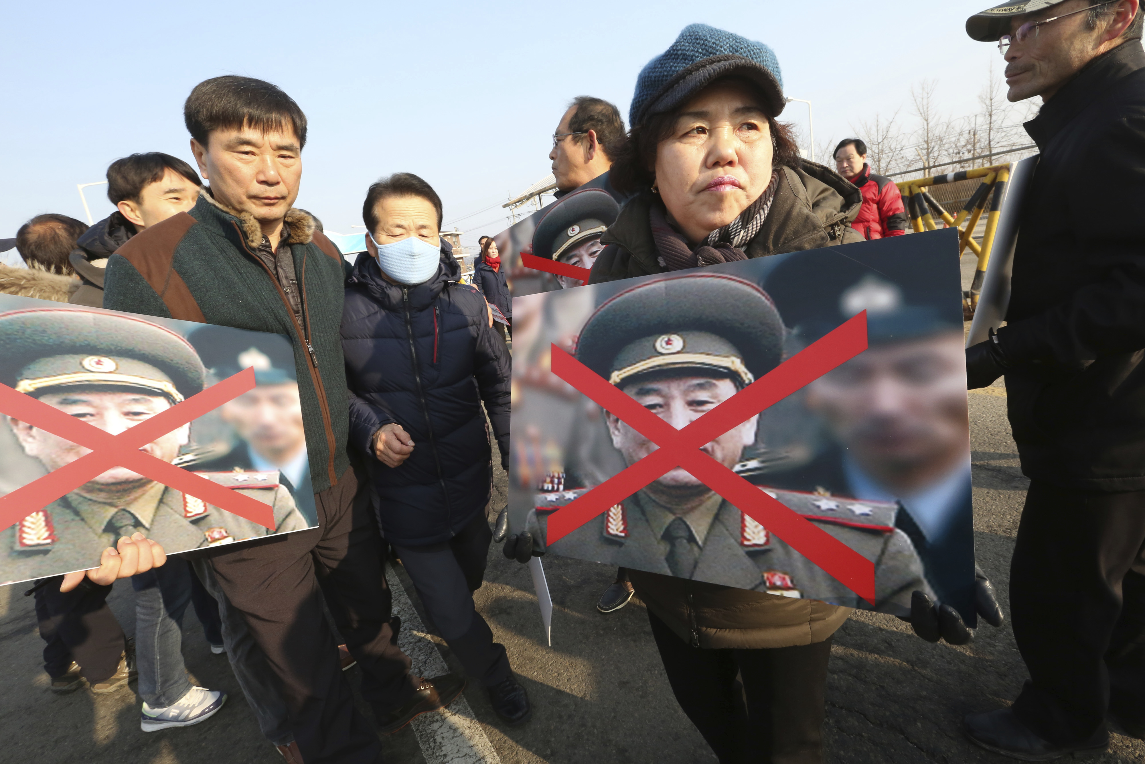 Ястреб от КНДР в Пьончан за закриване на Олимпиадата