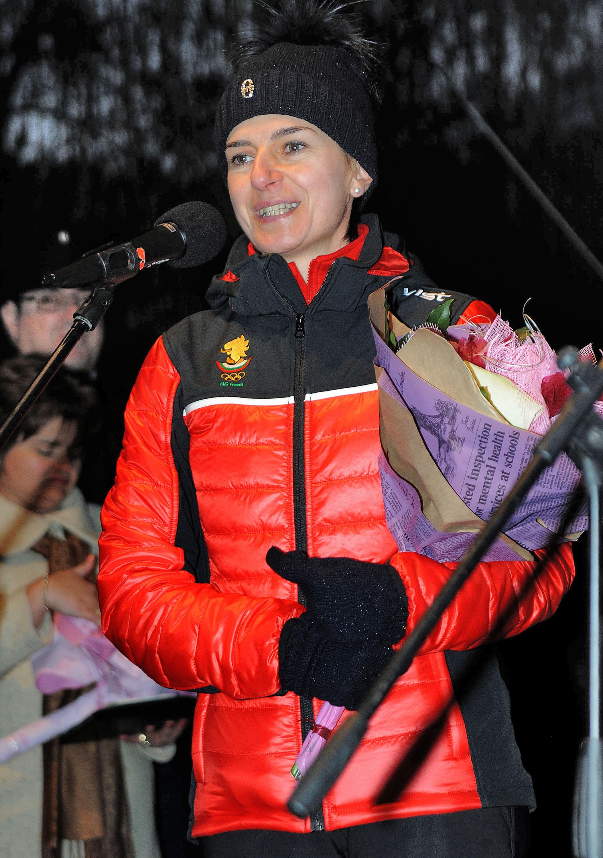 Голямата Катя Дафовска защити биатлонистите ни