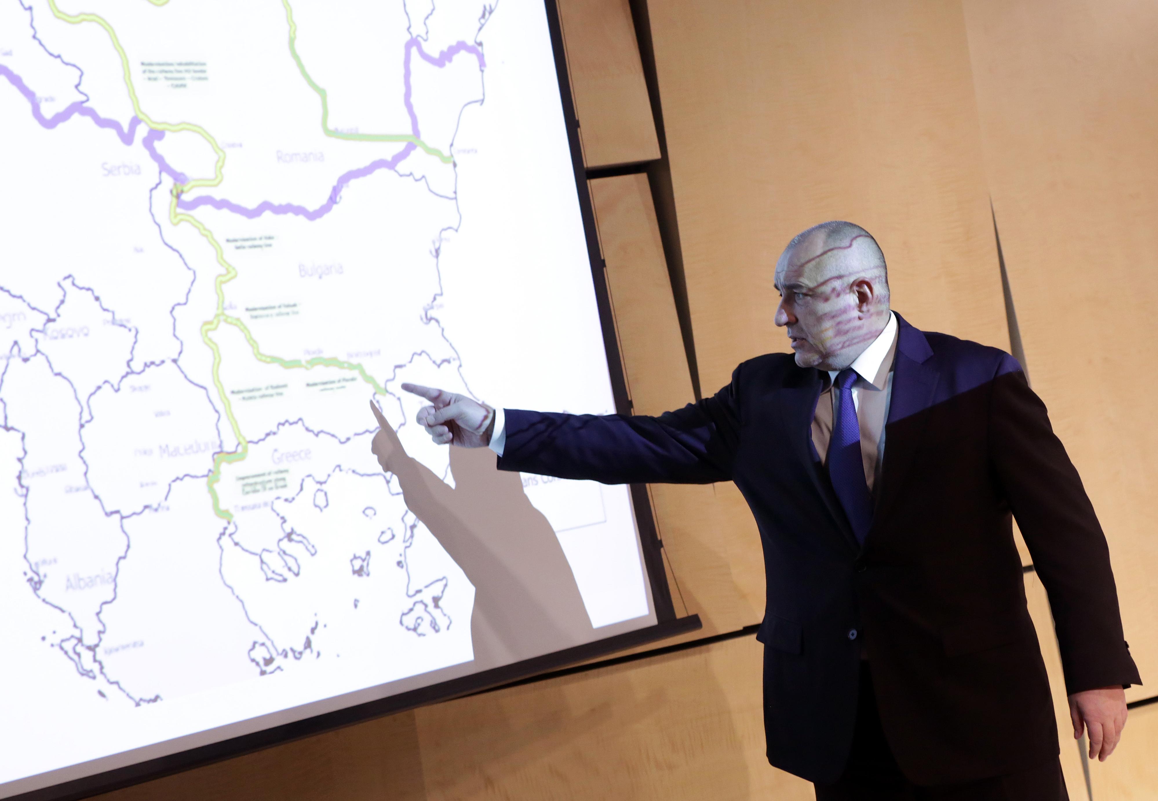 """Русия и ЕС се сблъскаха на Балканите. """"Добре, че е Бойко"""""""