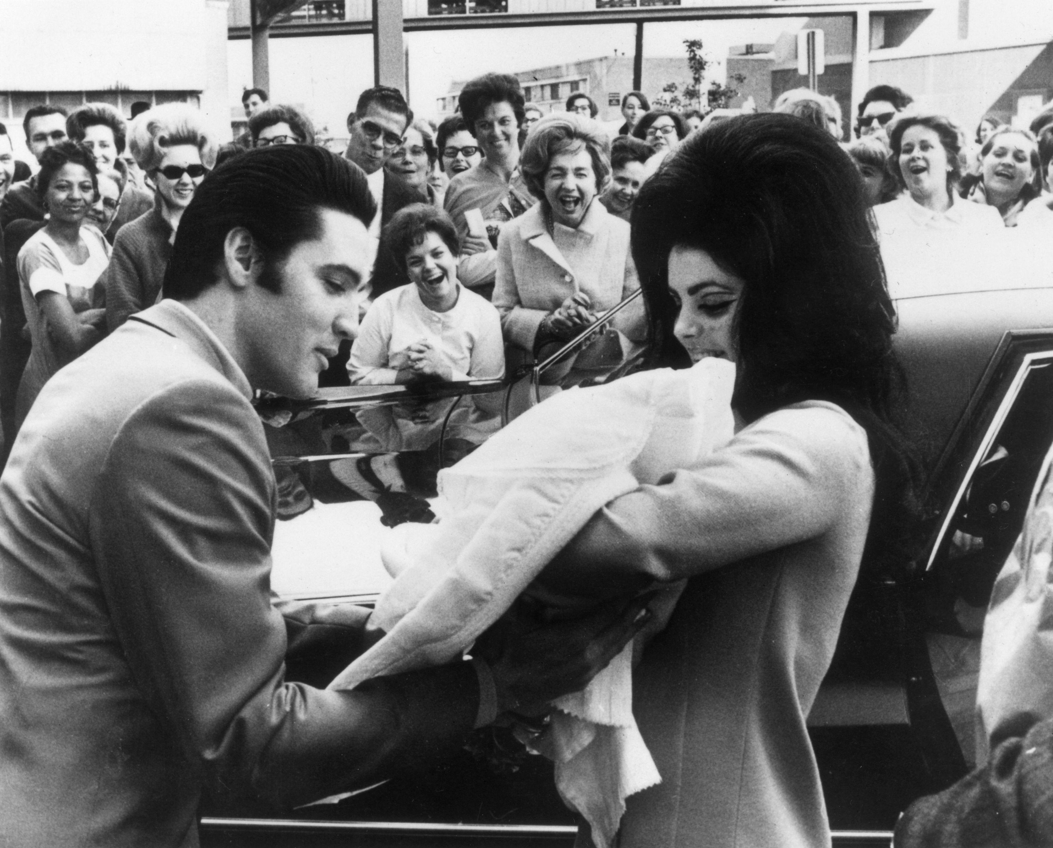 Лиса Мари Пресли похарчи наследството на Елвис