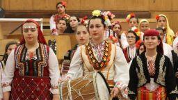 Млади фолклорни таланти ще огласят Първо студио на БНР
