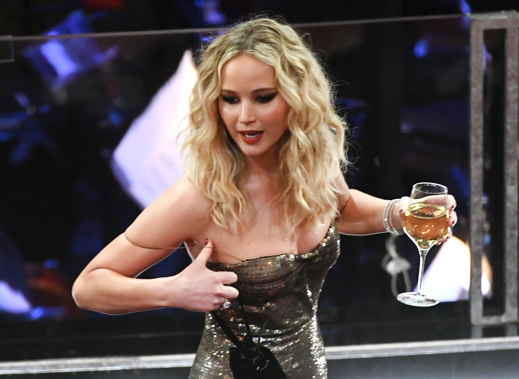 Дженифър Лорънс пияна на Оскарите