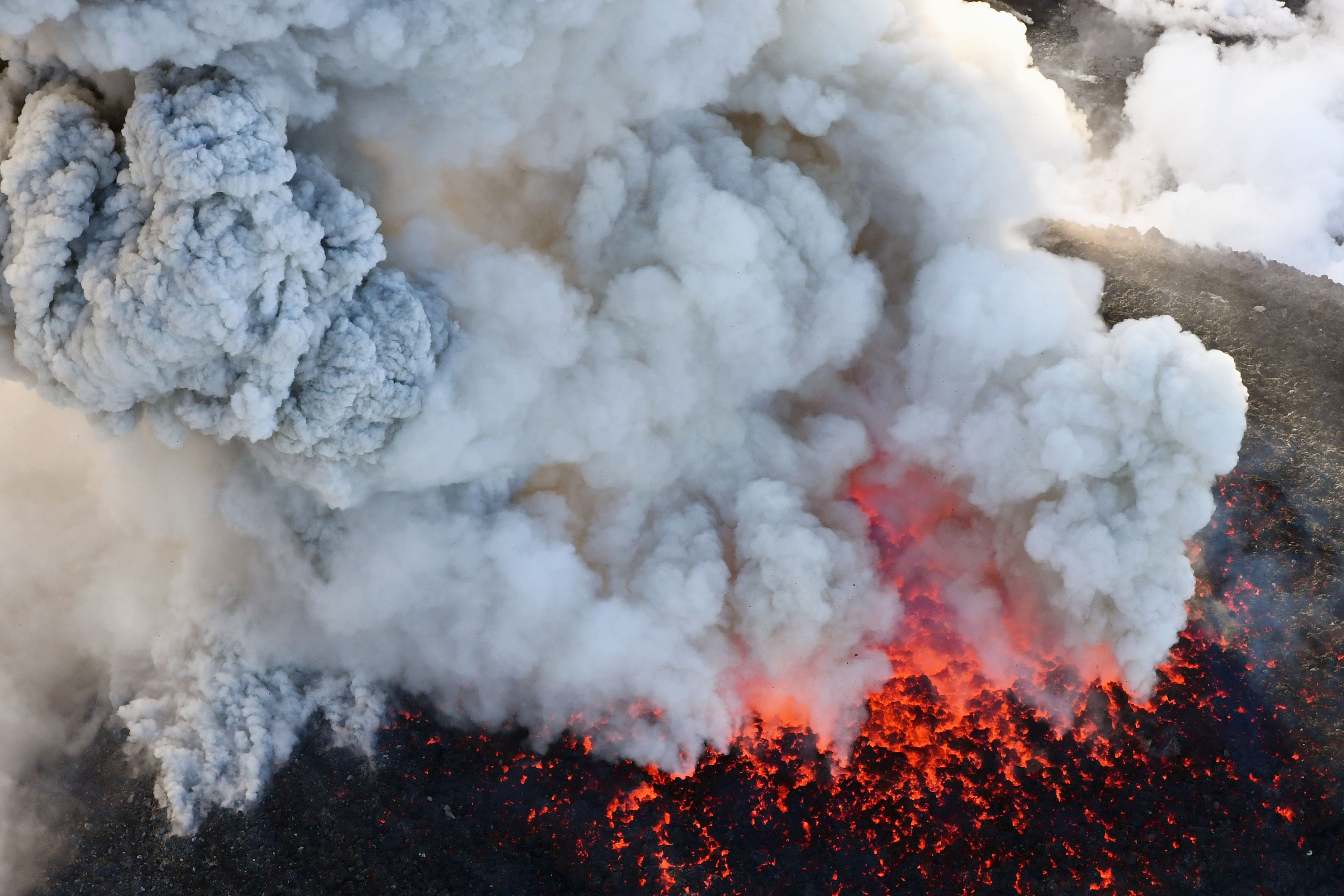 Експерти: Светът не е подготвен за силно изригване на вулкан