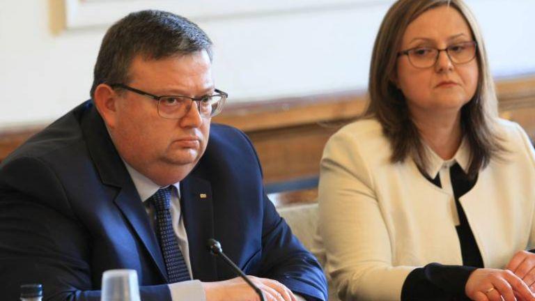 Цацаров: Трябва баланс в договора за екстрадиция със САЩ