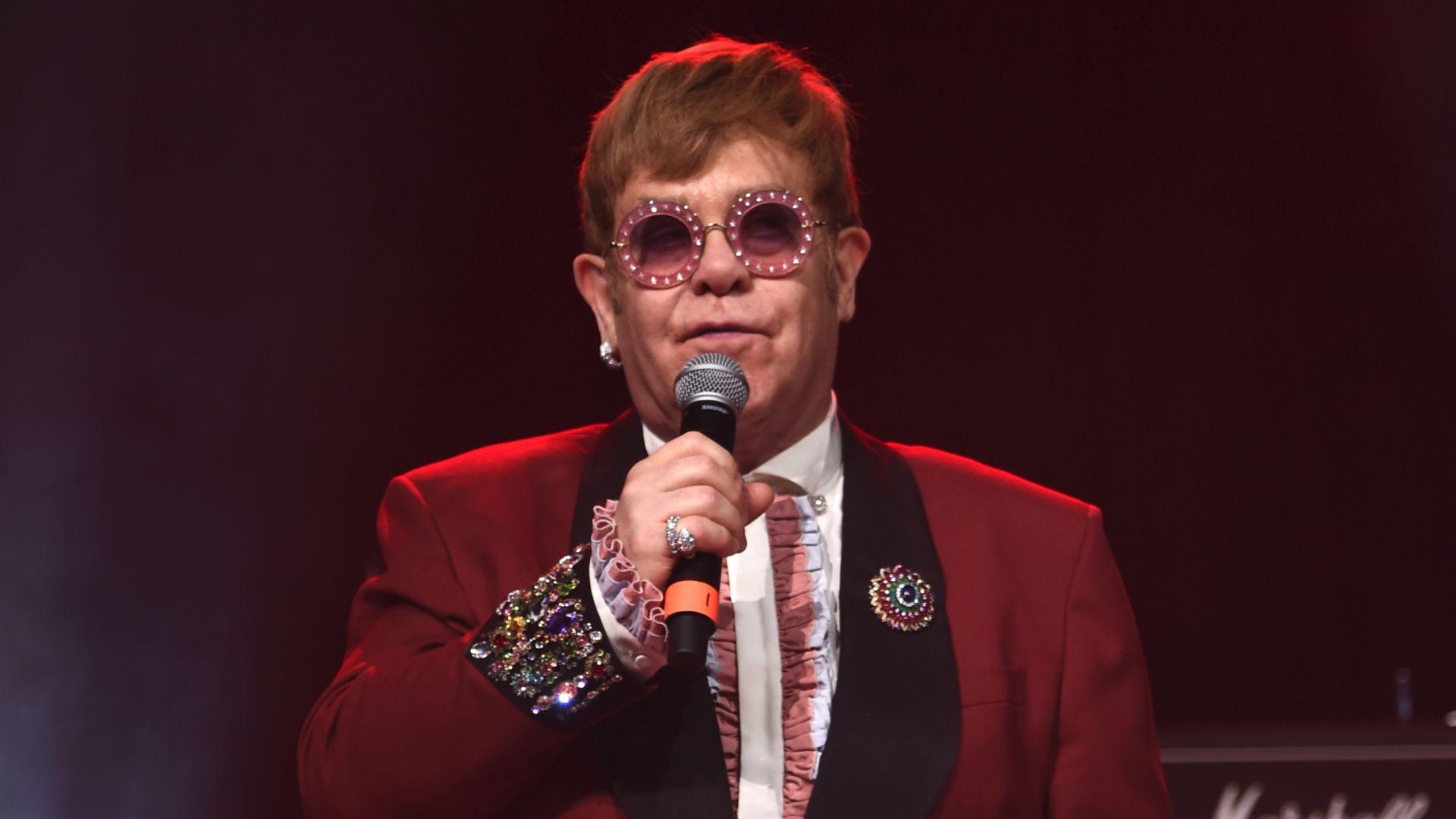 Елтън Джон тръгва на турне във Великобритания през 2020 г.