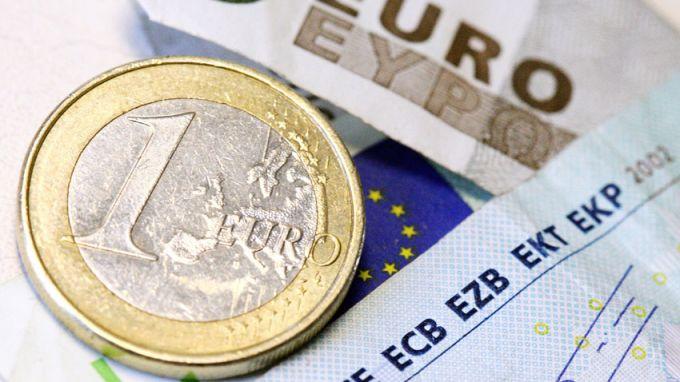 Еврото реагира негативно на пресконференцията на шефа на ЕЦБ