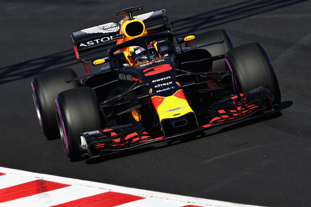 Дани Рикардо най-бърз в Бахрейн