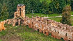 Археолози открили зазидани човешки кости в стената на Голшанския замък