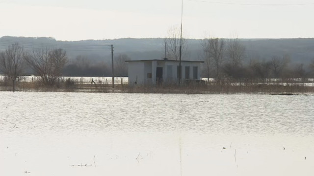 Бедствието в Брегово продължава, но няма опасност за водата