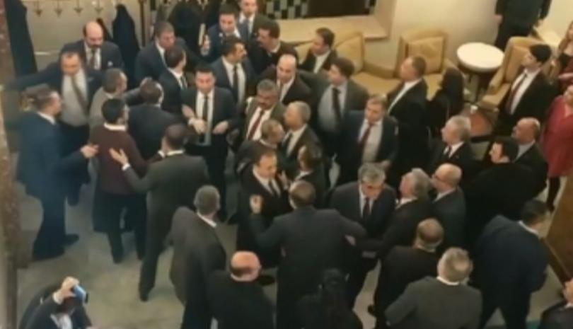 Сблъсъци в турския парламент след изборни промени