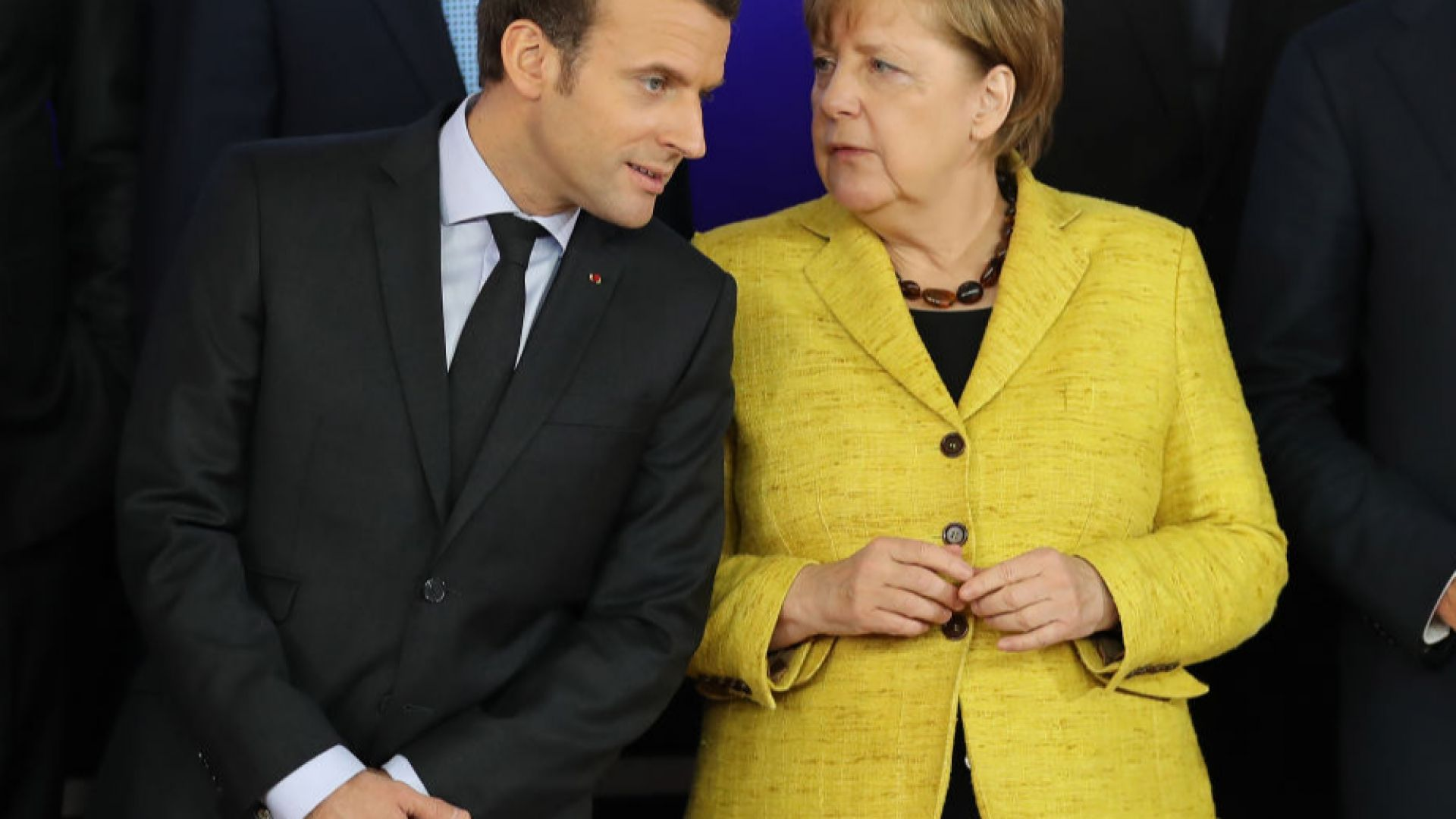 Париж и Берлин си дадоха 2 м. за реформите за еврозоната
