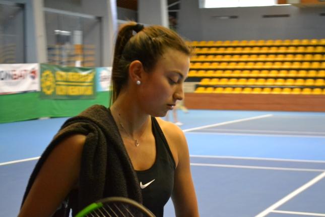Аршинкова на четвъртфинал в Анталия