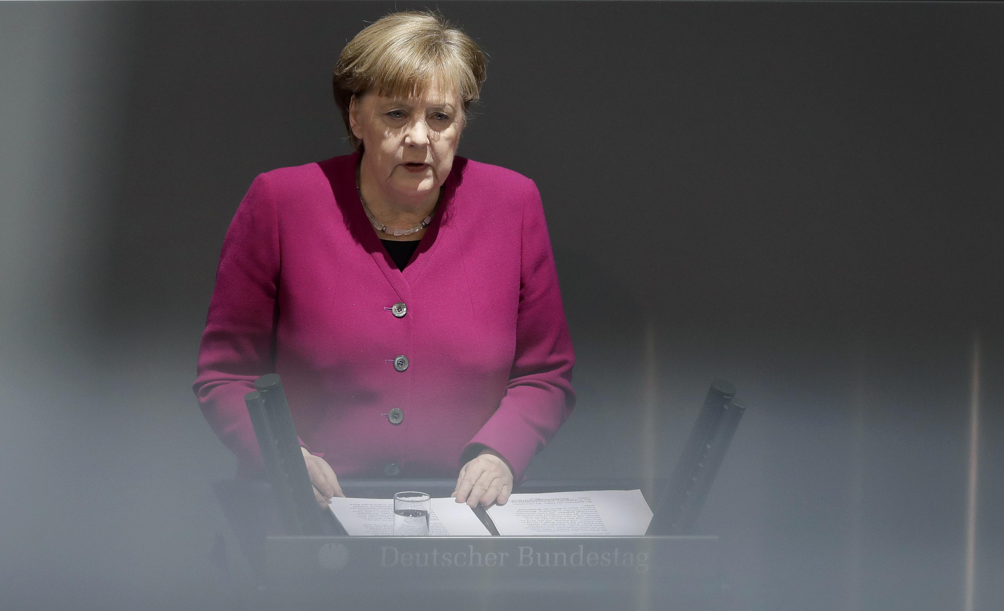 Меркел иска още изравняване на Източна и Западна Германия