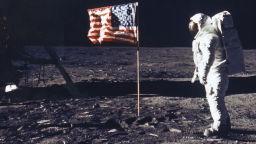 Иван Ночев помогна на американците да кацнат на Луната