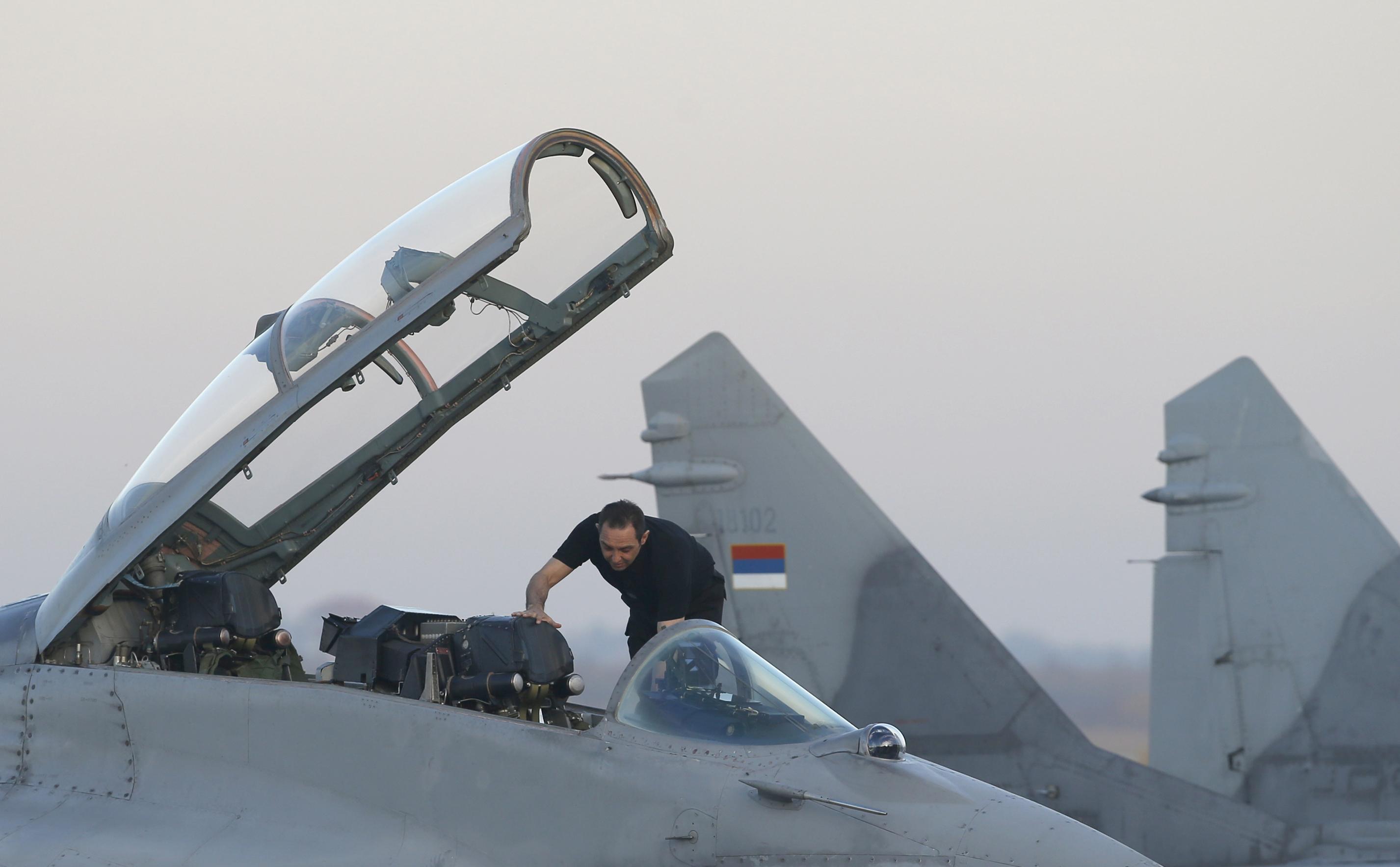 Сърбия се въоръжава с руски хеликоптери и изтребители МиГ-29