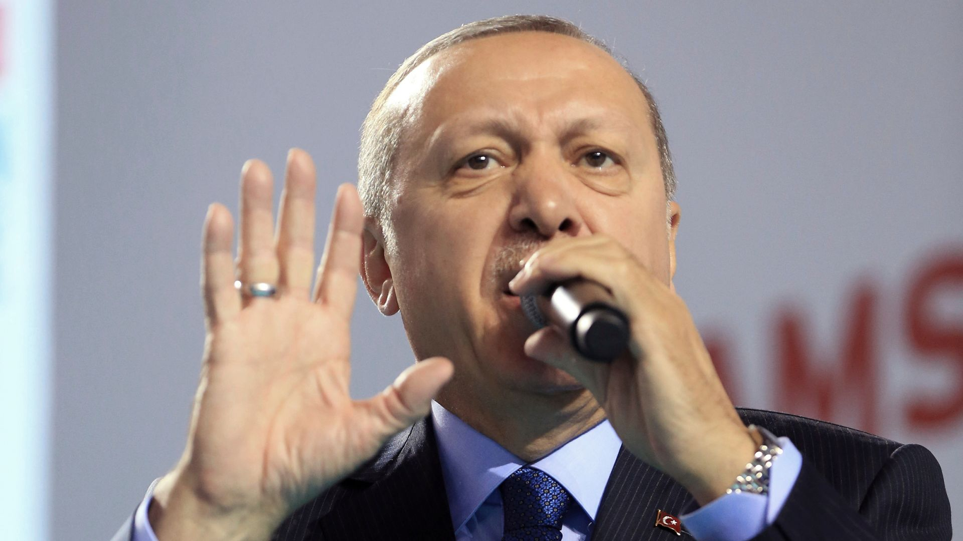Турция приветства ударите на САЩ, UK и Франция в Сирия