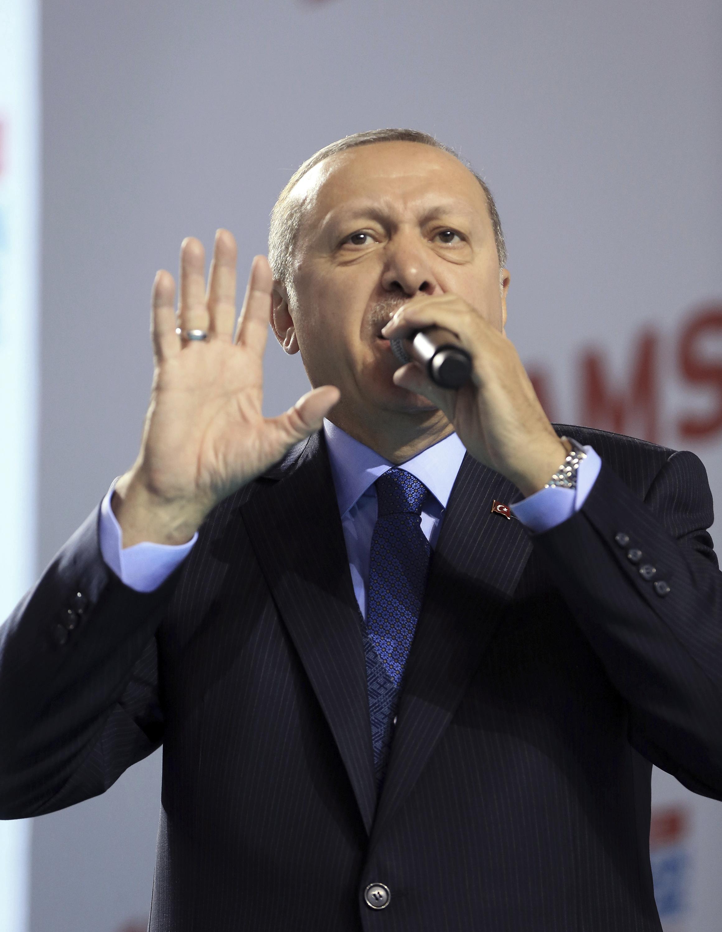Двойната игра на Турция в сирийската драма