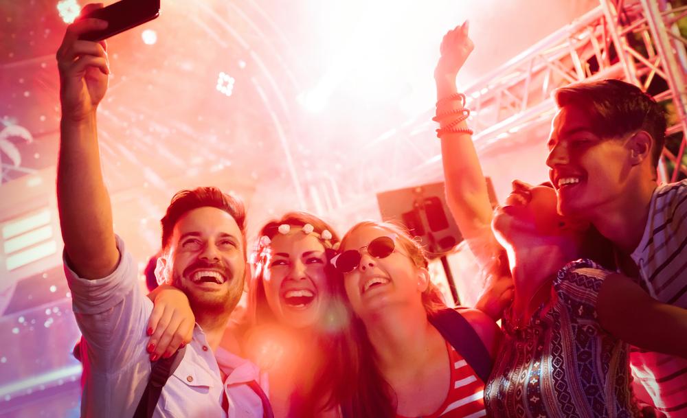 Ходенето на концерти е по-полезно за здравето от йогата
