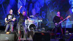 """Б.Т.Р. взриви НДК с премиерата на новия си албум """"Невидими стени"""""""