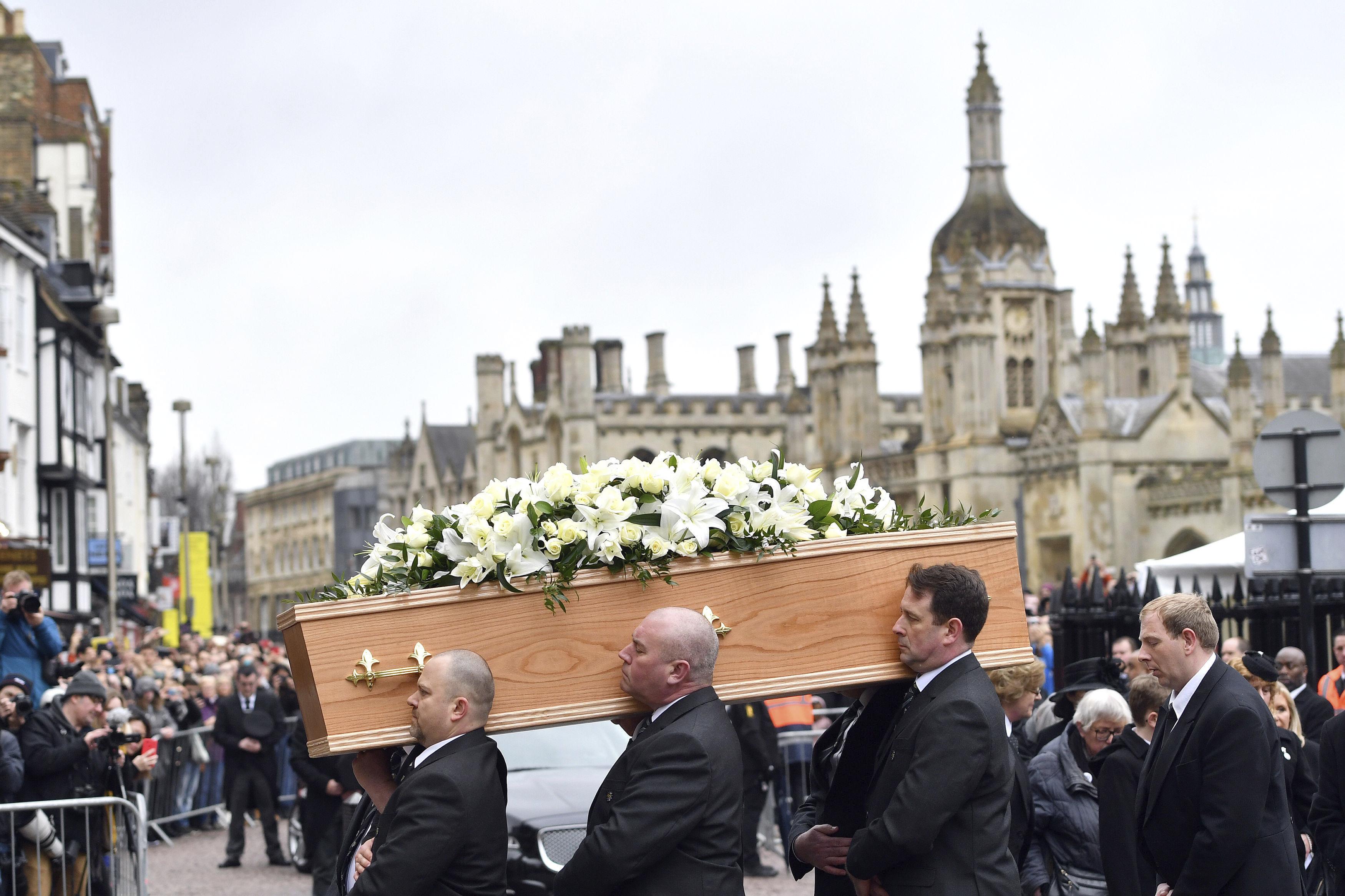Стотици хора се сбогуваха със Стивън Хокинг