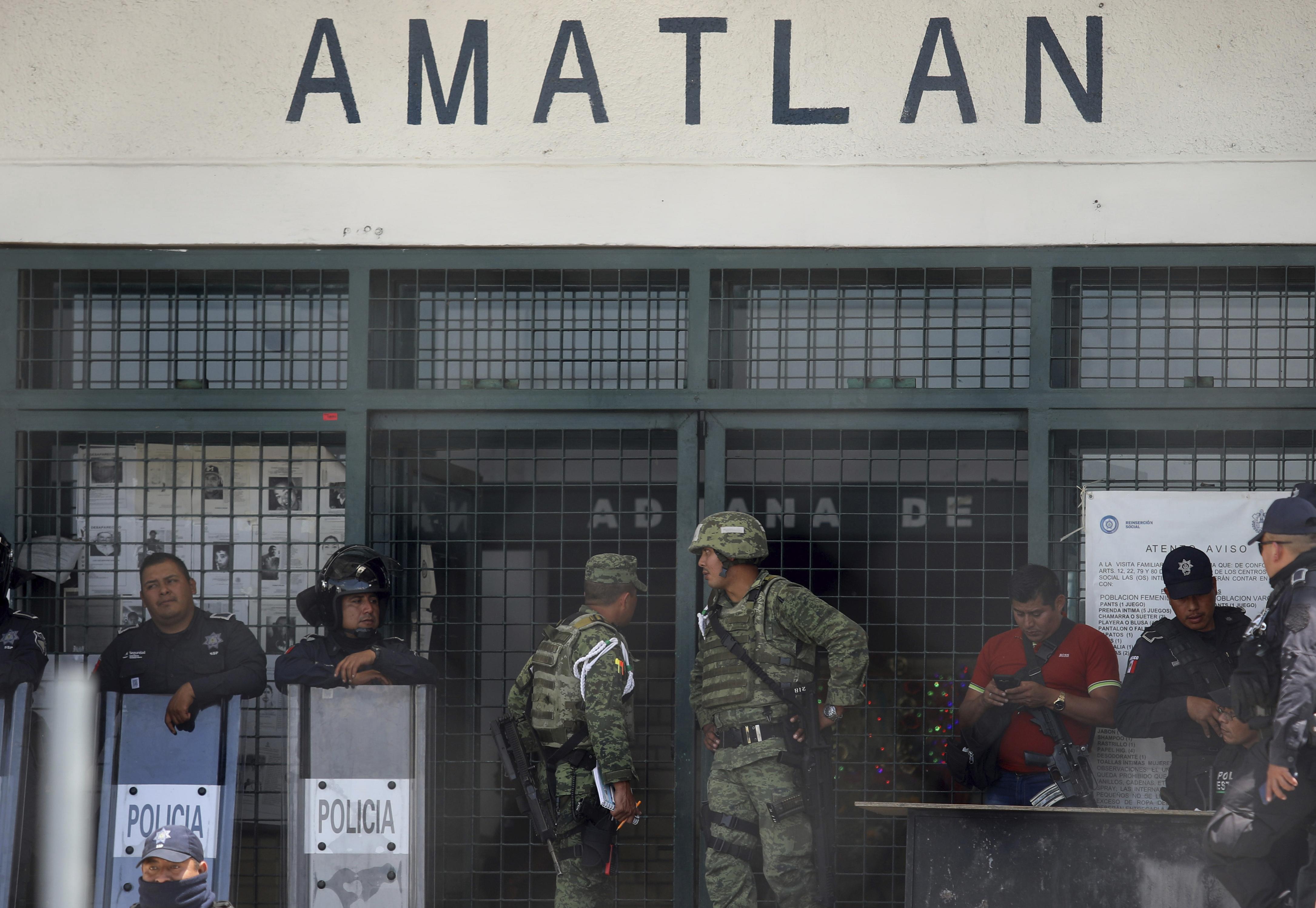 Седем души загинаха при затворнически бунт в Мексико