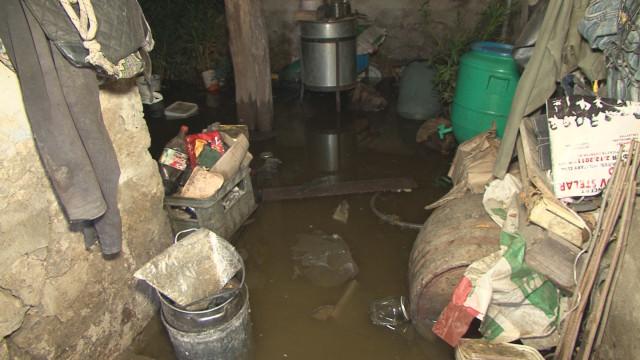 Жители на Хайредин: Къщите ни се рушат заради ВЕЦ