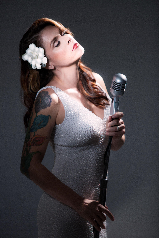 Огнената Бет Харт ще пее в България на 4 декември
