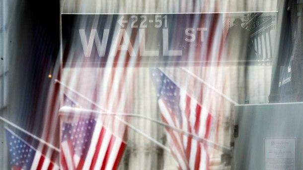 След три почивни дни за размисъл инвеститорите на Уолстрийт изглеждат отново притеснени в началото на новия месец