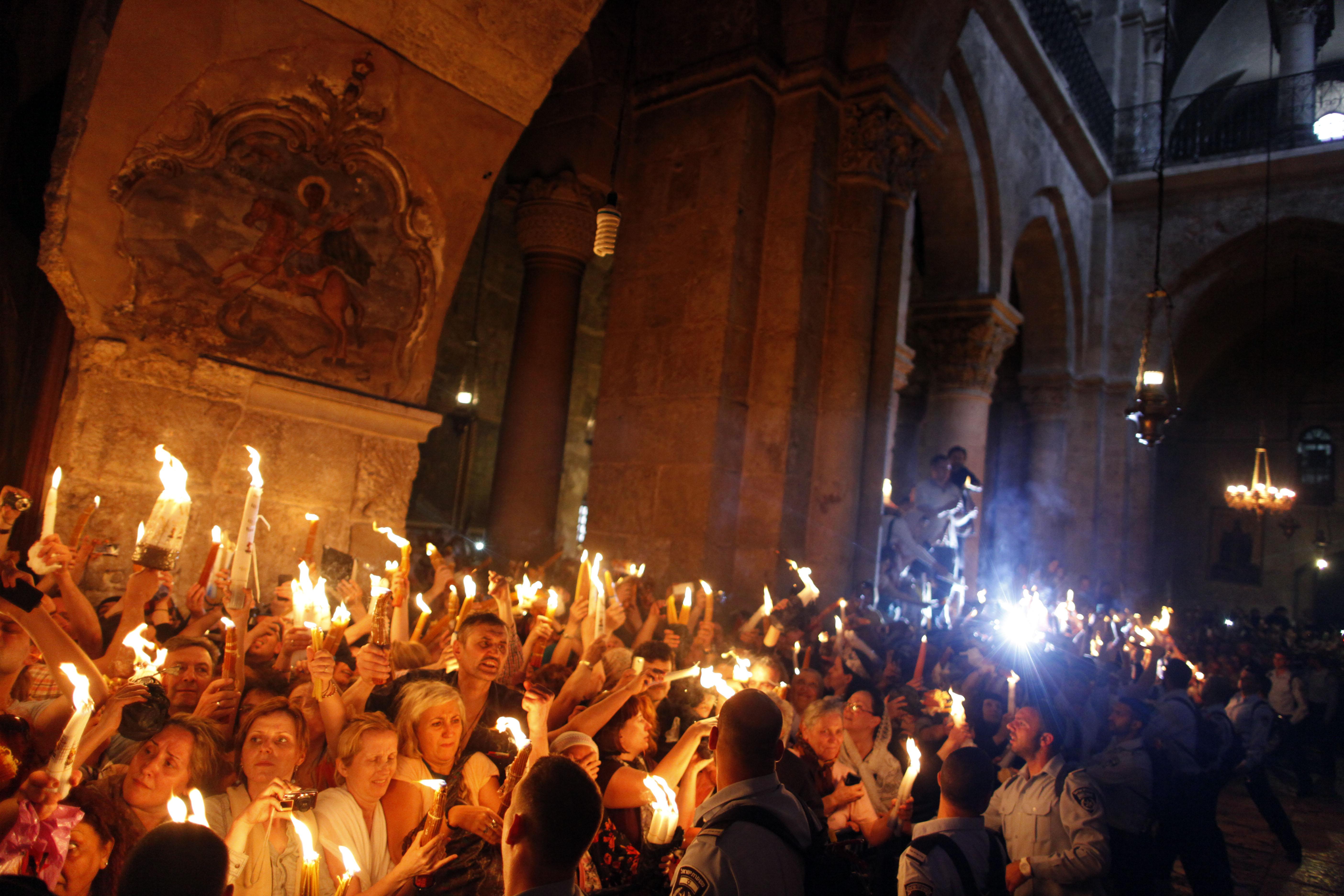 Македония ще получи Благодатния огън от България