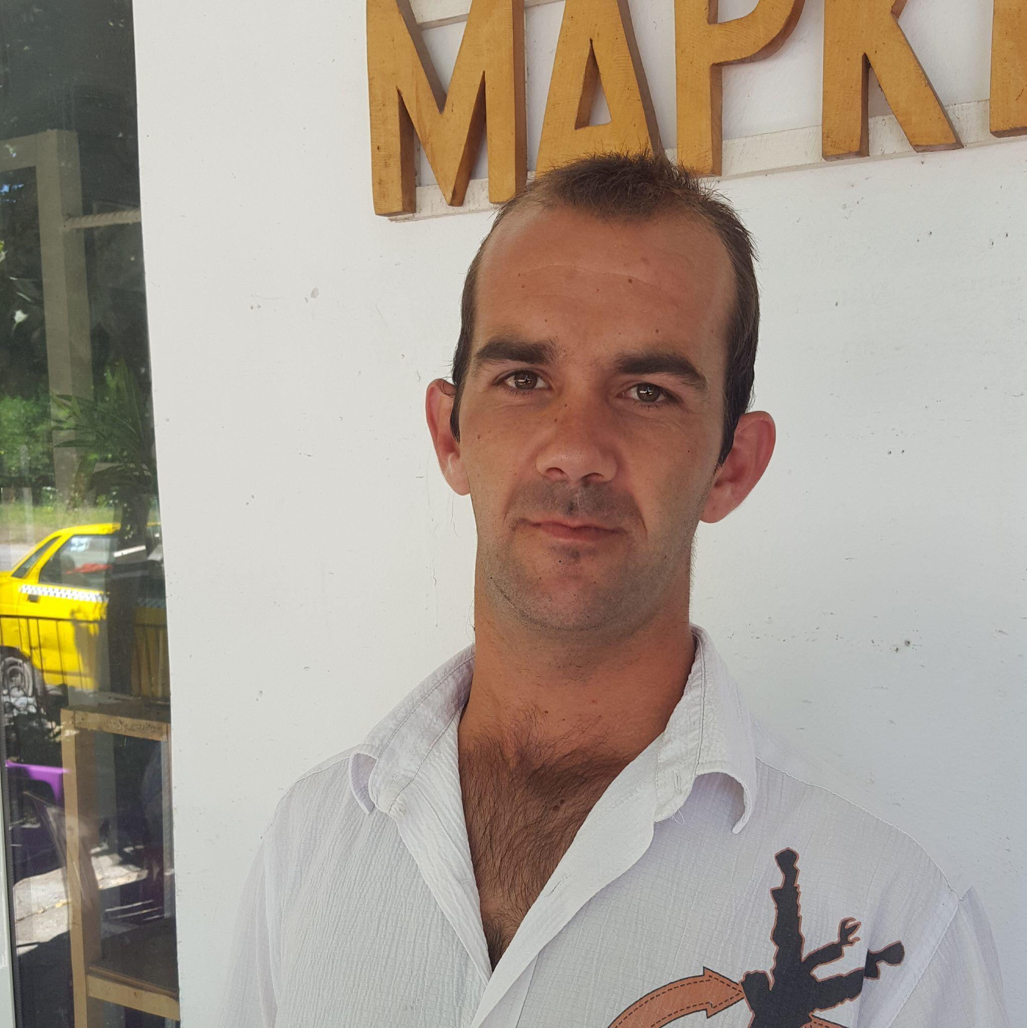 Издирват безследно изчезнал таксиметров шофьор